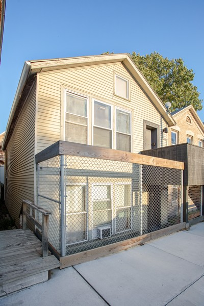 Real Estate Photography - 2021 S Ruble, 2023, 2025, 2027, 2029, Chicago, IL, 60616 - 2021 S. Ruble