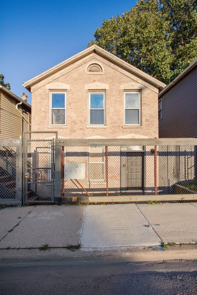 Real Estate Photography - 2021 S Ruble, 2023, 2025, 2027, 2029, Chicago, IL, 60616 - 2023 S. Ruble
