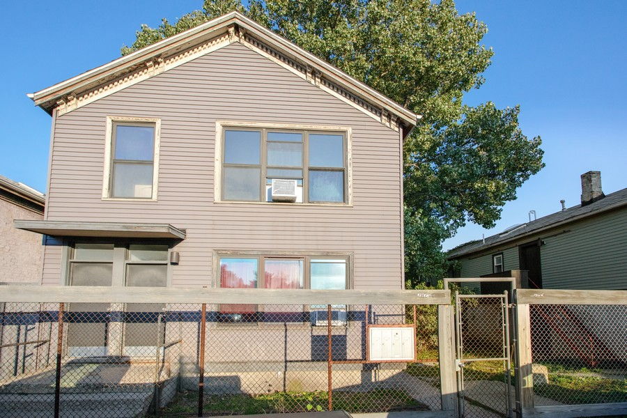 Real Estate Photography - 2021 S Ruble, 2023, 2025, 2027, 2029, Chicago, IL, 60616 - 2025 S. Ruble