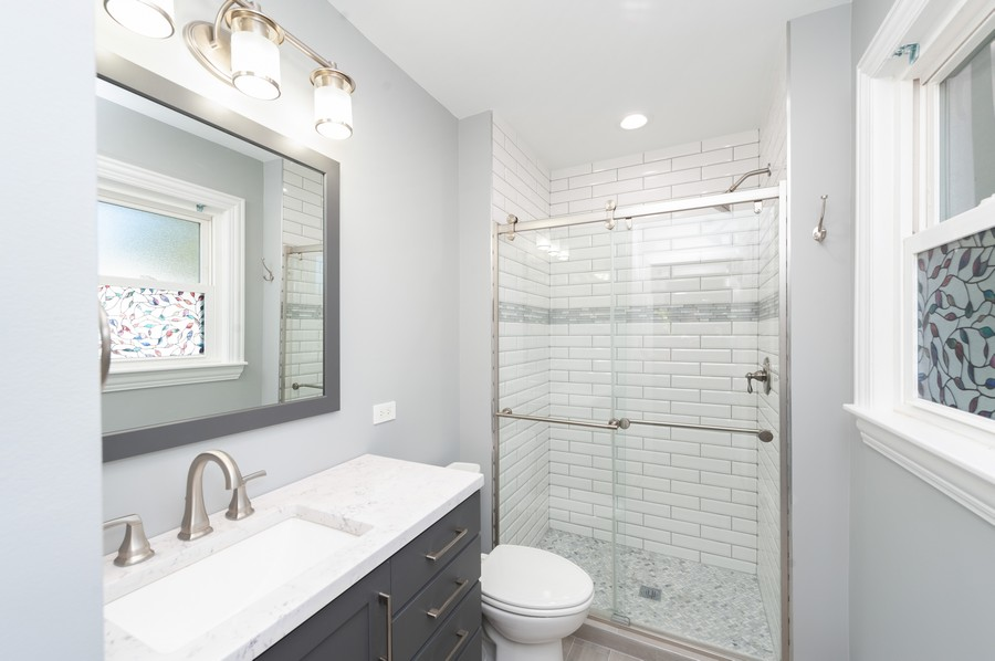 Real Estate Photography - 302 Sharon Dr, Barrington, IL, 60010 - Master Bathroom