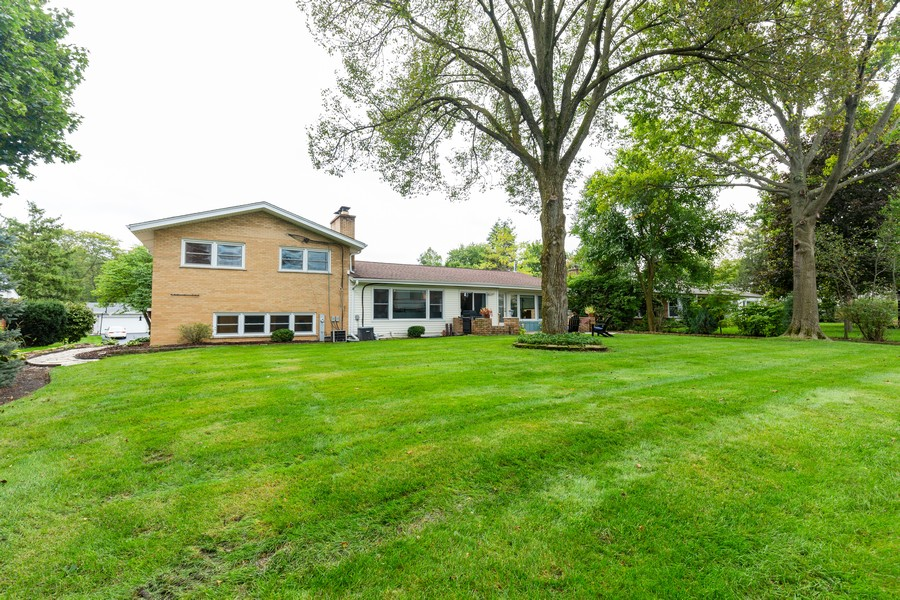 Real Estate Photography - 302 Sharon Dr, Barrington, IL, 60010 - Rear View