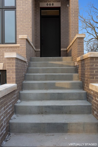 Real Estate Photography - 668 East 46th St, Chicago, IL, 60653 -