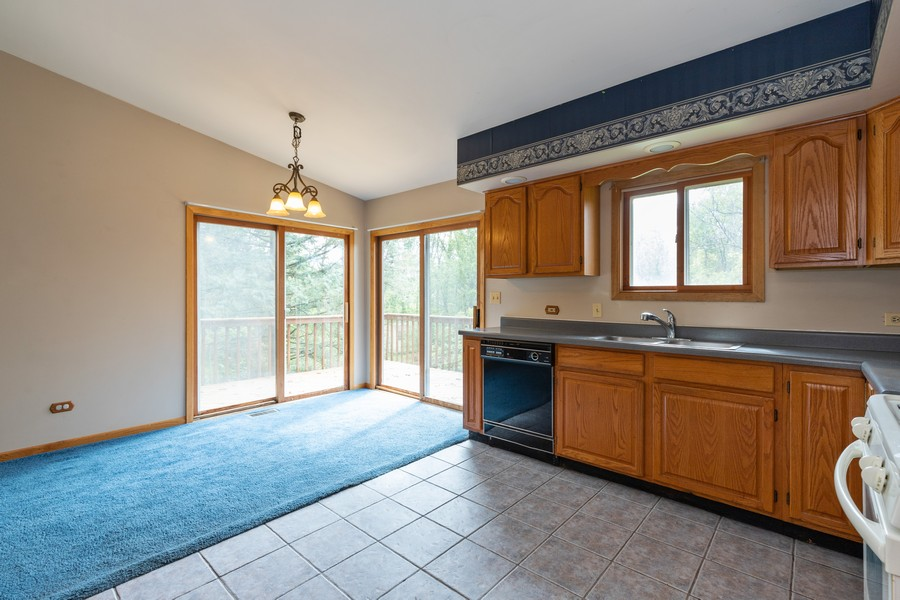 Real Estate Photography - 2907 Salem Blvd, Zion, IL, 60099 - Kitchen