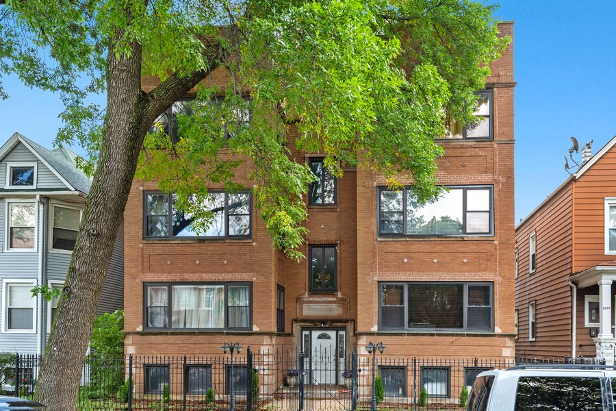 Real Estate Photography - 2539 N Hamlin Ave #2N, Chicago, IL, 60647 - Front View