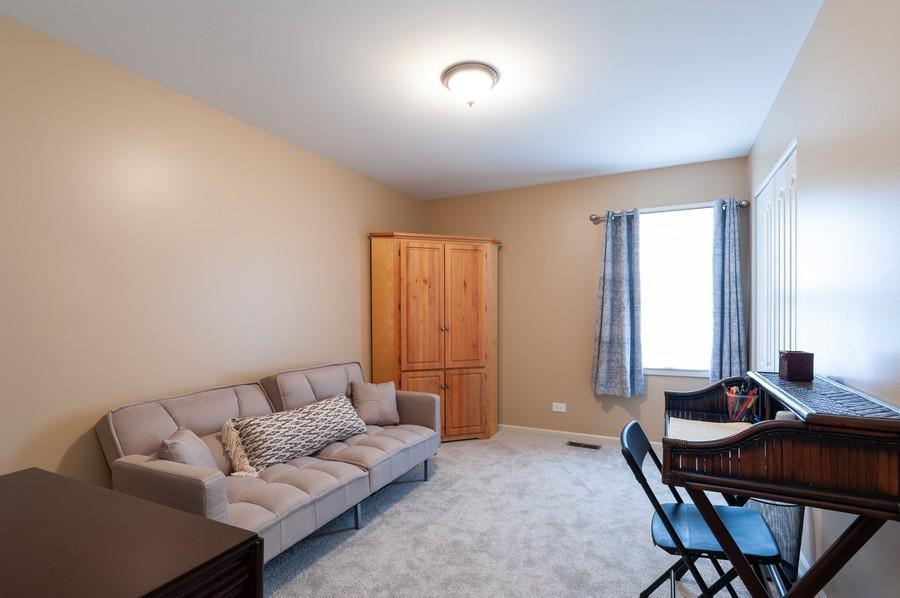 Real Estate Photography - 703 Alsace Cir, Buffalo Grove, IL, 60089 - Bedroom