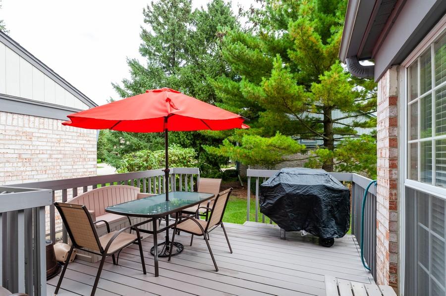 Real Estate Photography - 703 Alsace Cir, Buffalo Grove, IL, 60089 - Deck