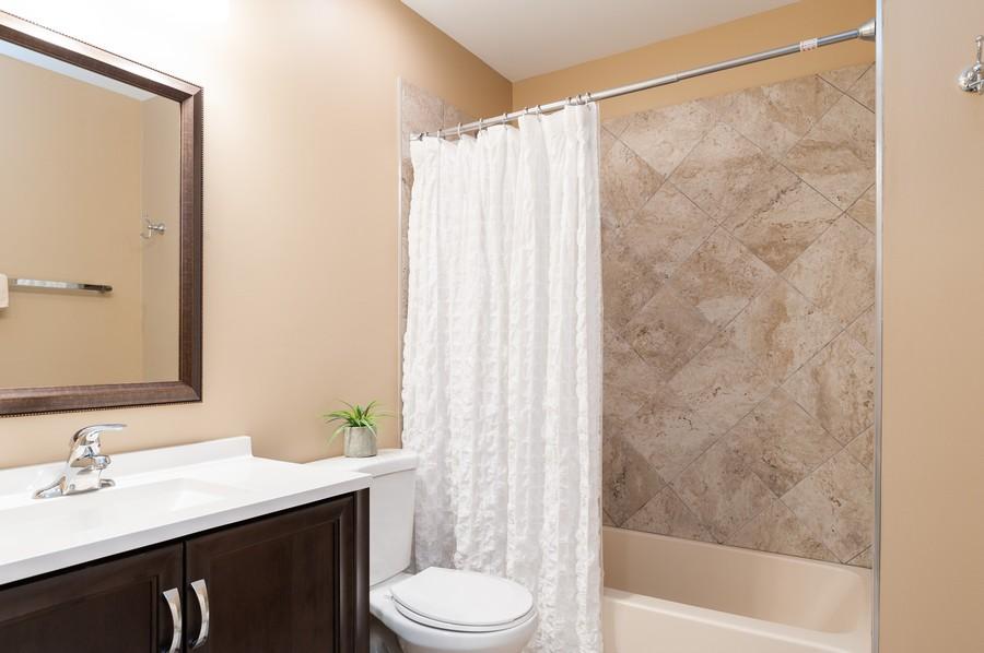 Real Estate Photography - 703 Alsace Cir, Buffalo Grove, IL, 60089 - Bathroom
