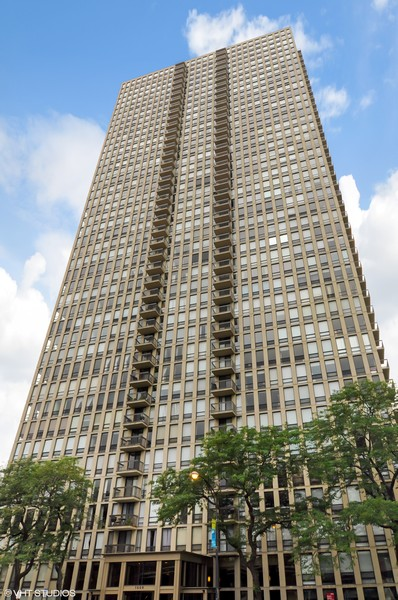 Real Estate Photography - 1660 N. LaSalle St., #1507, Chicago, IL, 60614 -