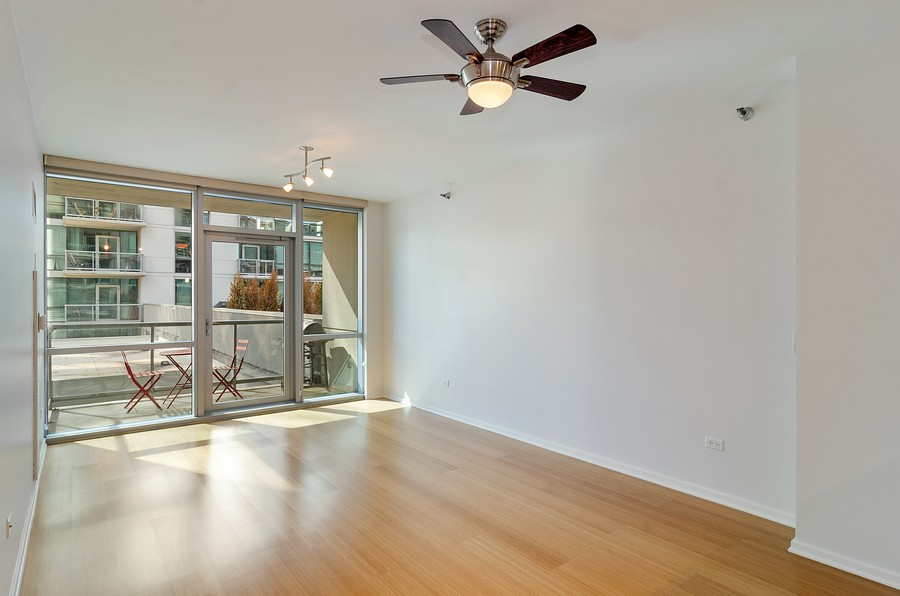 Real Estate Photography - 125 S. Green Street, Unit 302A, Chicago, IL, 60607 - Living Room