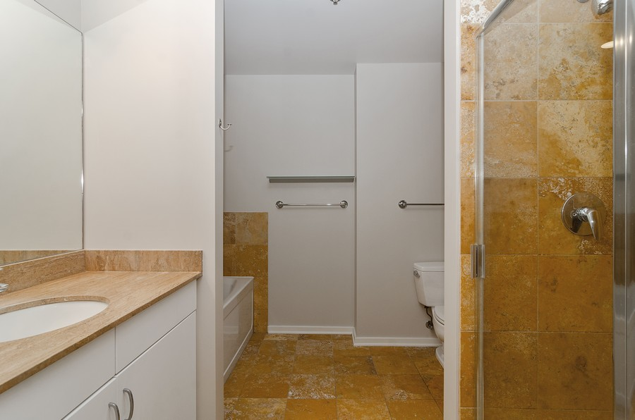 Real Estate Photography - 125 S. Green Street, Unit 302A, Chicago, IL, 60607 - Master Bathroom