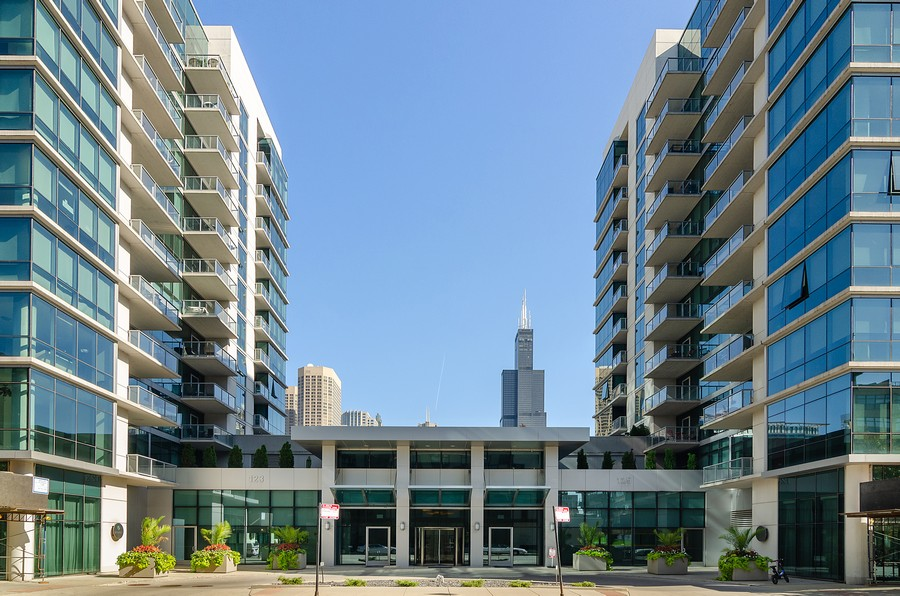 Real Estate Photography - 125 S. Green Street, Unit 302A, Chicago, IL, 60607 - Front View