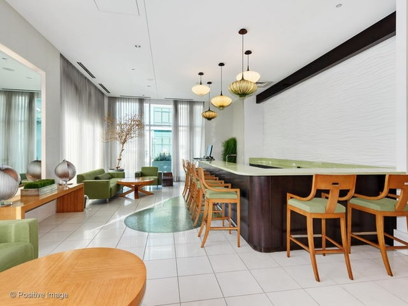Real Estate Photography - 125 S. Green Street, Unit 302A, Chicago, IL, 60607 -