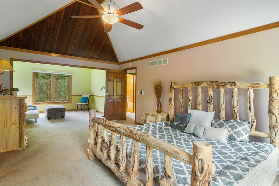 Real Estate Photography - 7N115 FOX BEND DRIVE, SAINT CHARLES, IL, 60175 - Master Bedroom