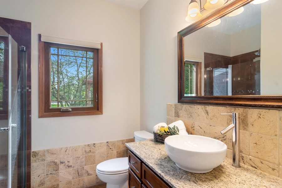 Real Estate Photography - 7N115 FOX BEND DRIVE, SAINT CHARLES, IL, 60175 - Bathroom