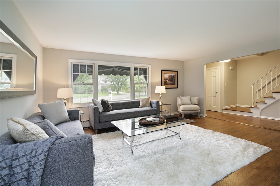 Real Estate Photography - 1635 Imperial Drive, Glenview, IL, 60025 -