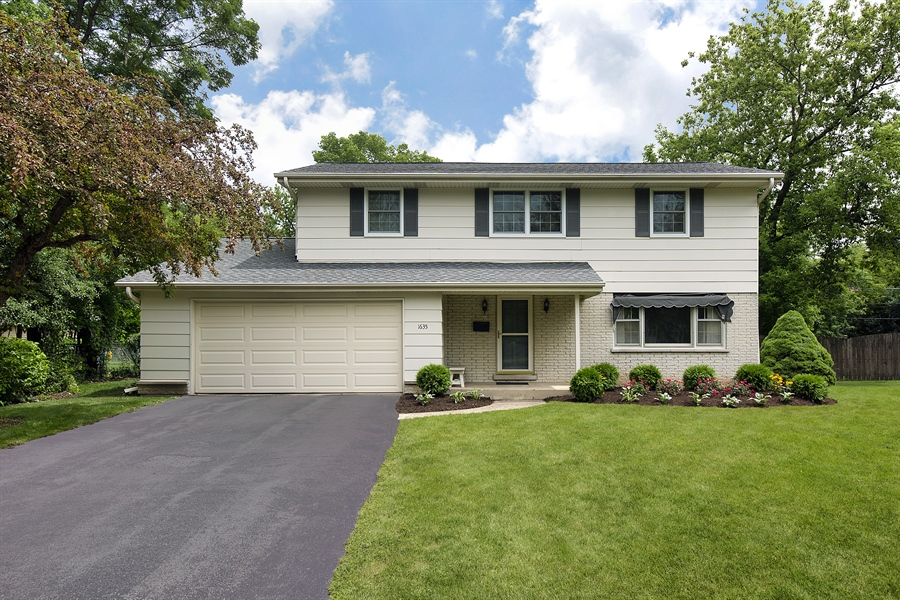 Real Estate Photography - 1635 Imperial Drive, Glenview, IL, 60025 - Front View