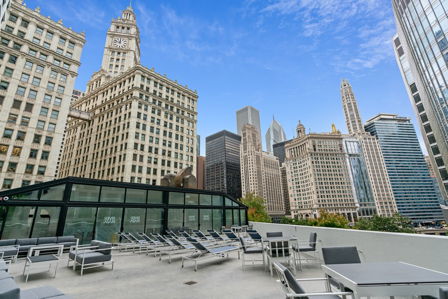 Real Estate Photography - 405 N Wabash Ave, #4810, Chicago, IL, 60611 - Sundeck