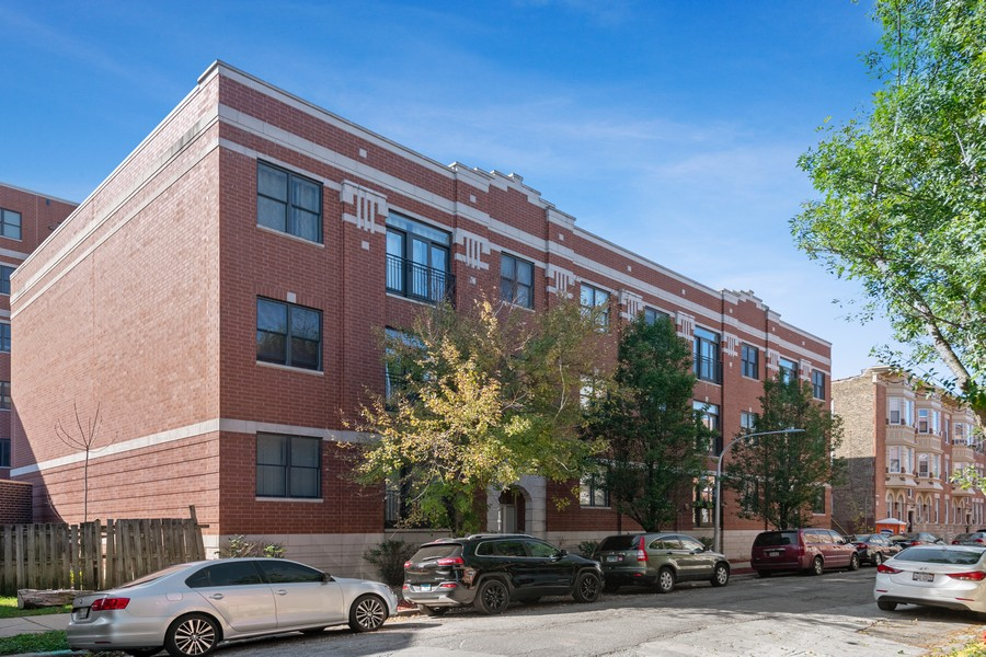 Real Estate Photography - 2771 W Francis Pl, 305N, Chicago, IL, 60647 - Front View