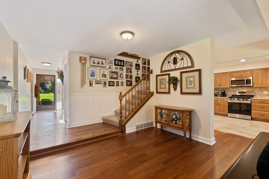 Real Estate Photography - 1860 Golf View Dr., Bartlett, IL, 60103 - Foyer