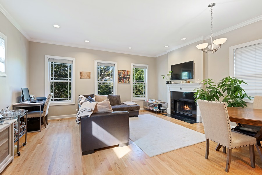 Real Estate Photography - 3311 N Kenmore, unit 3, Chicago, IL, 60657 - Living Room