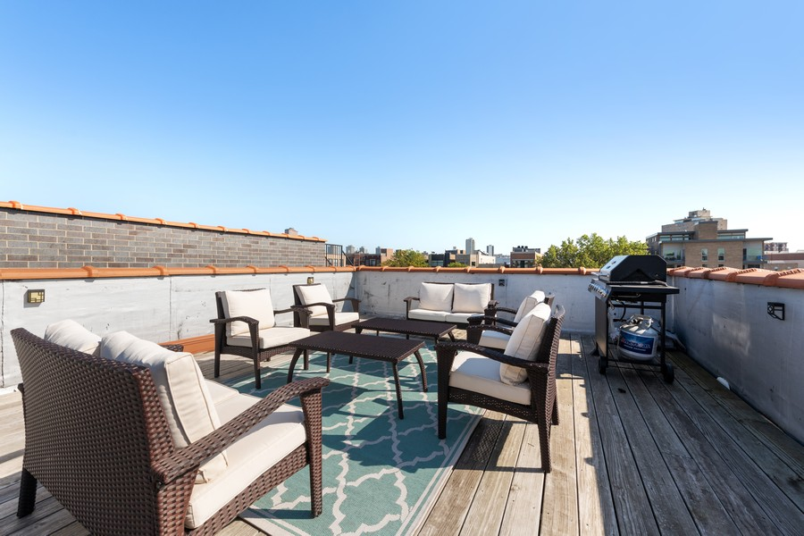 Real Estate Photography - 3311 N Kenmore, unit 3, Chicago, IL, 60657 - Roof Deck