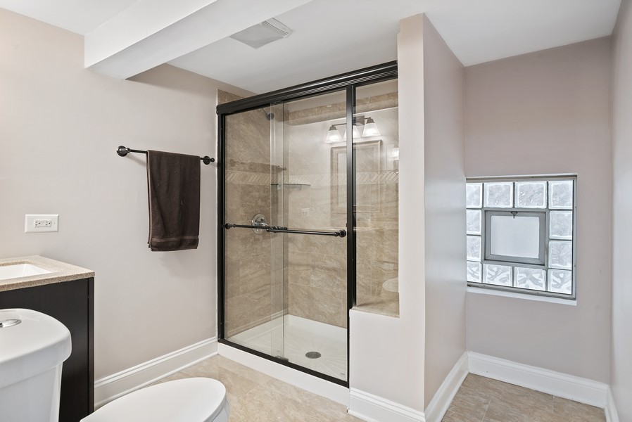 Real Estate Photography - 1427 W Fletcher, Chicago, IL, 60657 - 3rd Bathroom