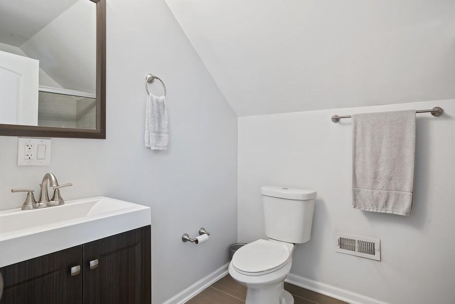 Real Estate Photography - 1427 W Fletcher, Chicago, IL, 60657 - 2nd Bathroom
