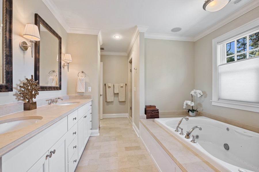 Real Estate Photography - 2754 Sheridan, Evanston, IL, 60201 - Master Bathroom