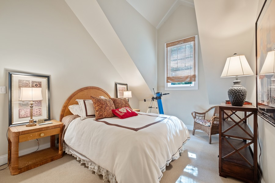 Real Estate Photography - 2754 Sheridan, Evanston, IL, 60201 - Coach house bedroom