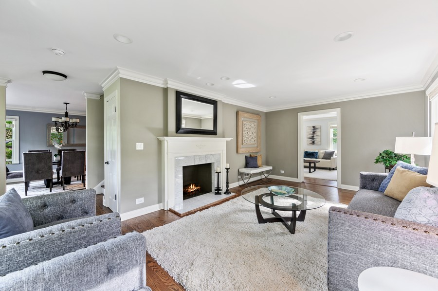 Real Estate Photography - 1423 Hawthorne, Glenview, IL, 60025 - Living Room