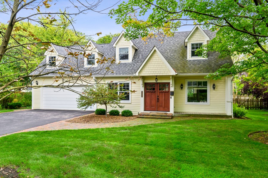 Real Estate Photography - 1423 Hawthorne, Glenview, IL, 60025 - Front View