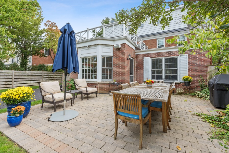 Real Estate Photography - 2154 Kenilworth Ave, Wilmette, IL, 60091 - Patio