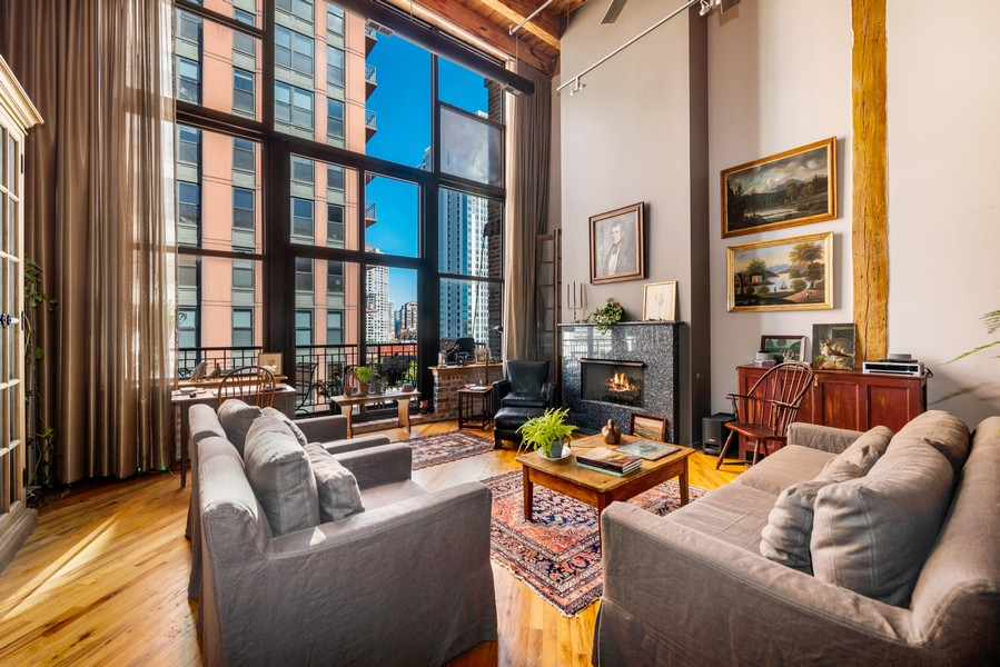 Real Estate Photography - 616 W Fulton, Unit 604, Chicago, IL, 60661 - Living Room