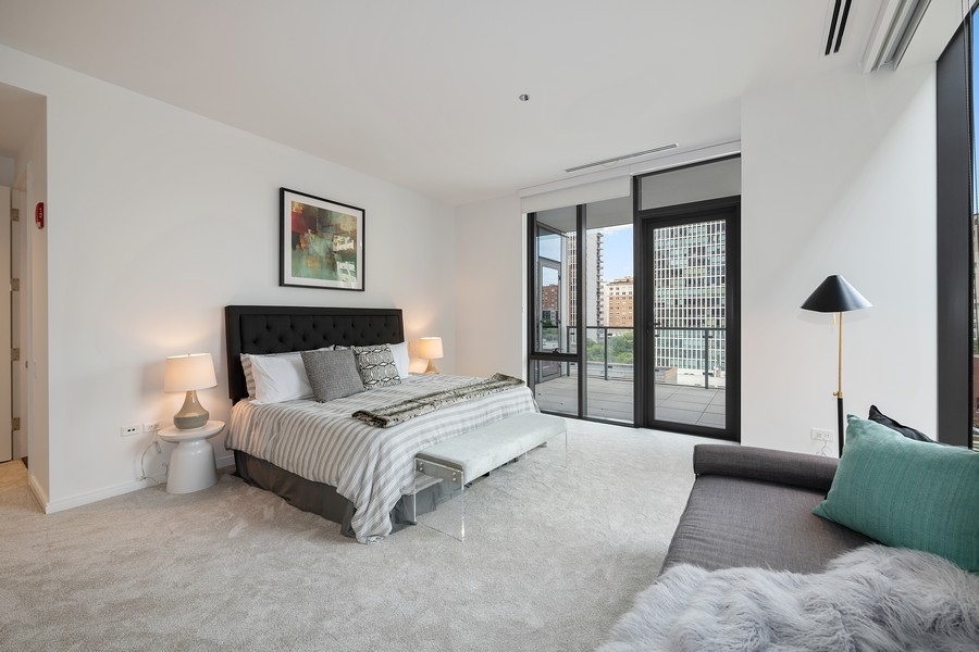 Real Estate Photography - 4 E. Elm #6N, Chicago, IL, 60611 - Master Bedroom