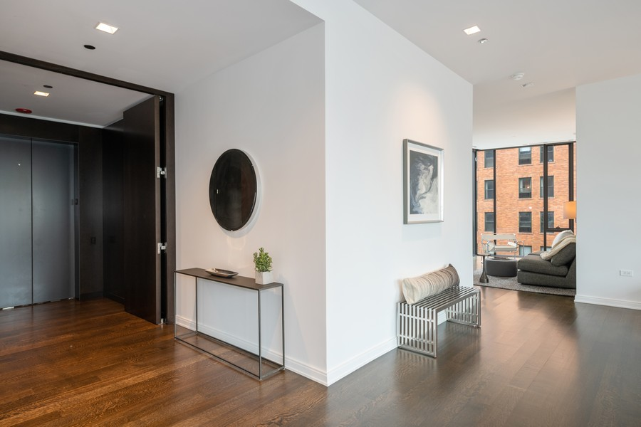 Real Estate Photography - 4 E. Elm #6N, Chicago, IL, 60611 - Foyer