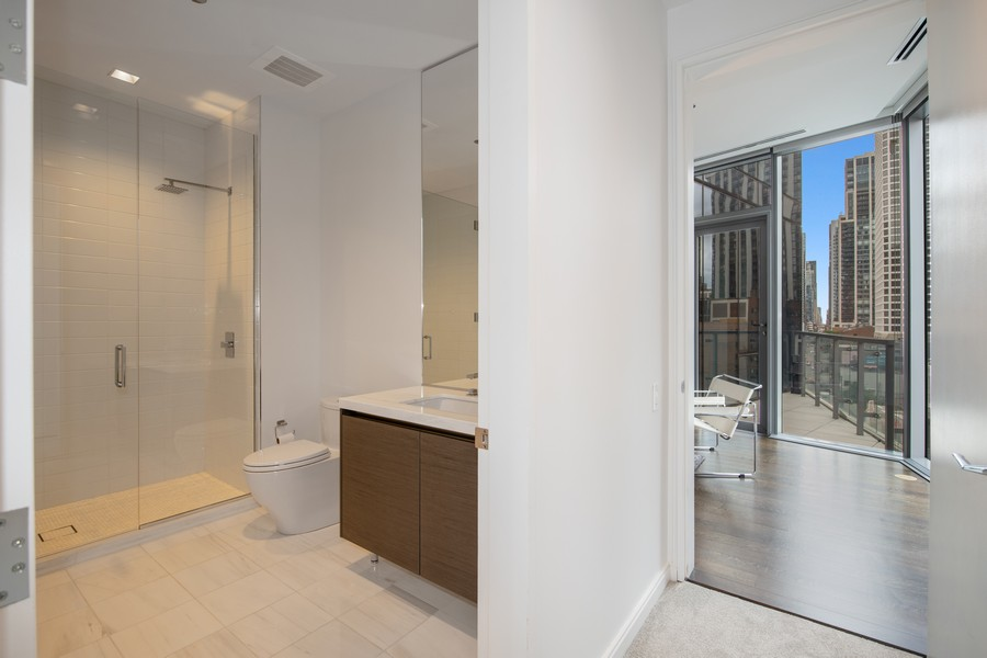 Real Estate Photography - 4 E. Elm #6N, Chicago, IL, 60611 - Hallway