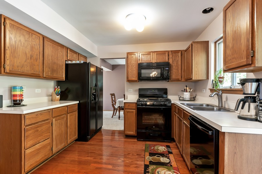 Real Estate Photography - 884 Fox Chase Drive, Round Lake Beach, IL, 60073 - Kitchen