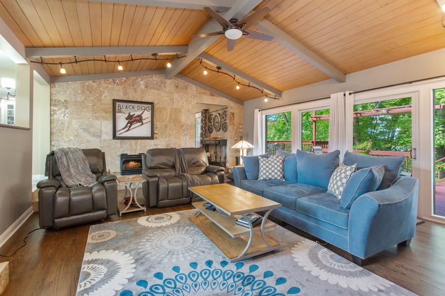 Real Estate Photography - 146 Higman Park Hill, Benton Harbor, MI, 49022 - Living Room