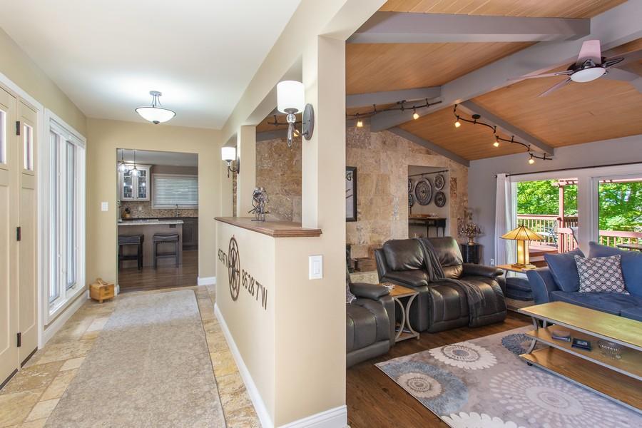 Real Estate Photography - 146 Higman Park Hill, Benton Harbor, MI, 49022 - Foyer