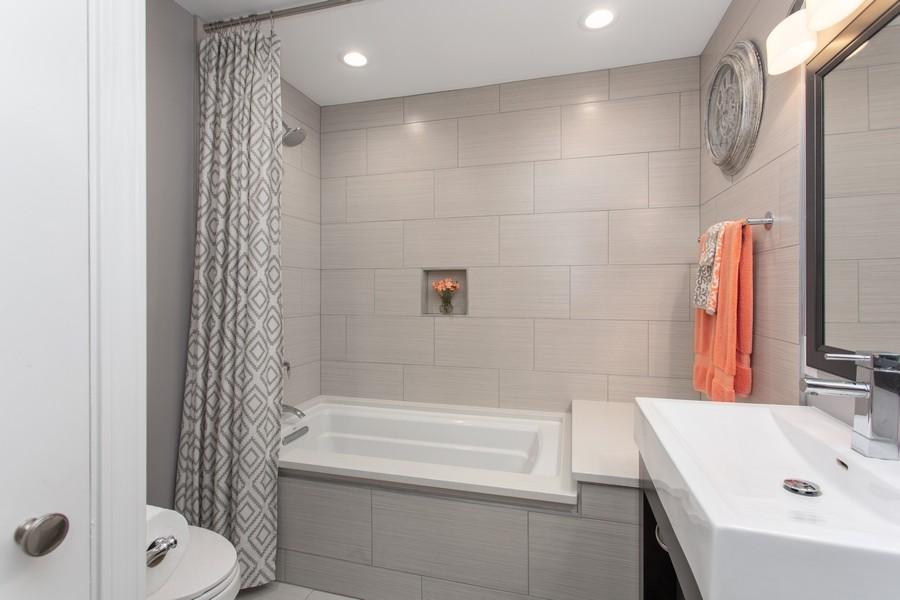 Real Estate Photography - 146 Higman Park Hill, Benton Harbor, MI, 49022 - Bathroom