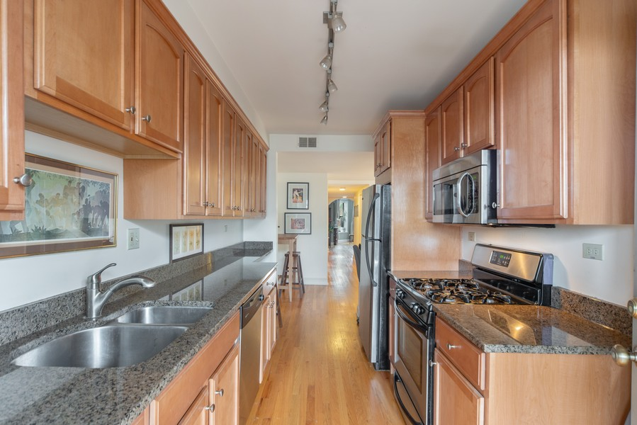 Real Estate Photography - 2735 N. Kimball, #6, Chicago, IL, 60647 - Kitchen