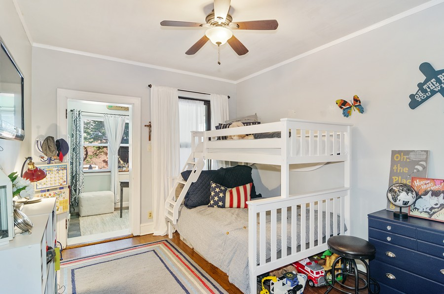 Real Estate Photography - 1728 W. Catalpa, Chicago, IL, 60640 - Second Bed Room Unit 1
