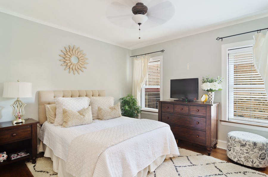 Real Estate Photography - 1728 W. Catalpa, Chicago, IL, 60640 - Master Bed Room Unit 1