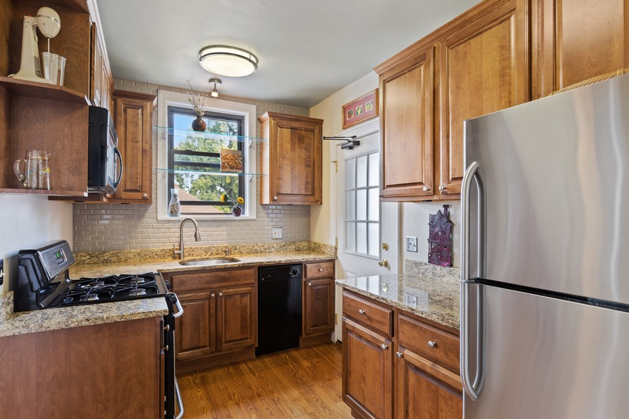 Real Estate Photography - 7229 Adams Street, Unit 2, Forest Park, IL, 60130 - Kitchen