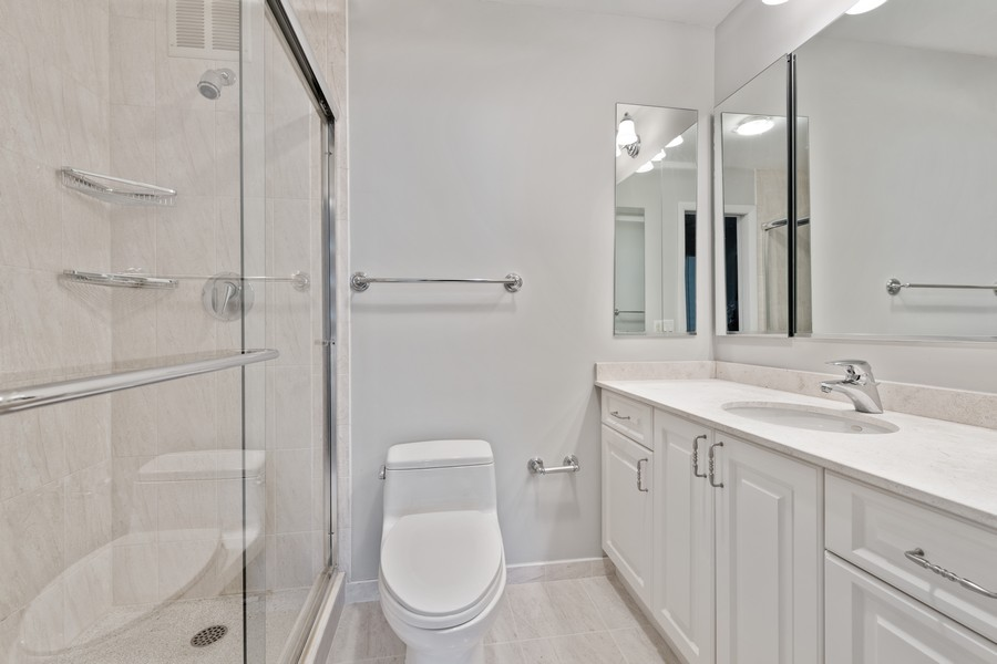 Real Estate Photography - 155 N Harbor Dr, Chicago, IL, 60601 - Bathroom