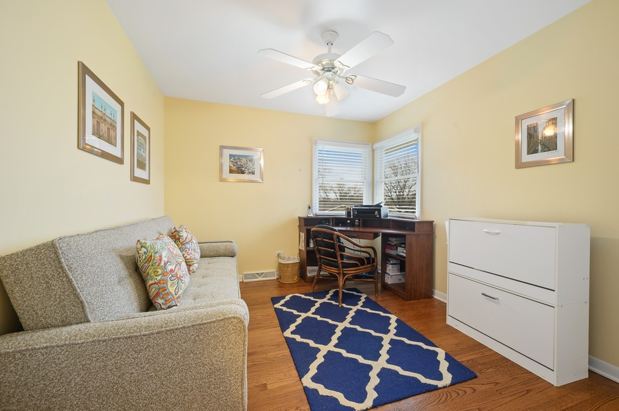 Real Estate Photography - 1606 Longmeadow, Glenview, IL, 60026 - 2nd Bedroom