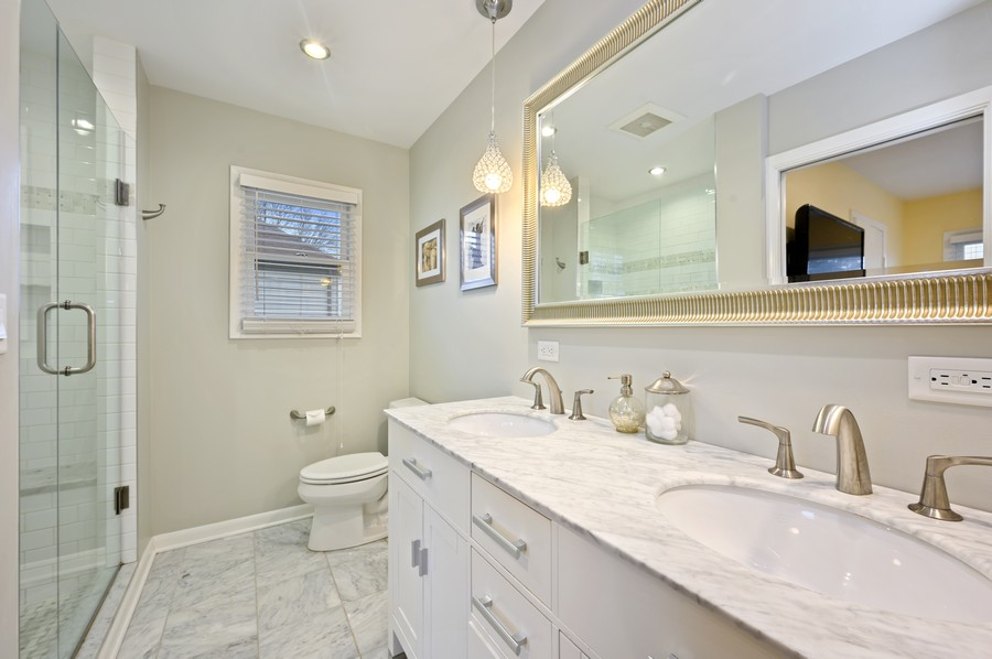 Real Estate Photography - 1606 Longmeadow, Glenview, IL, 60026 - Master Bathroom