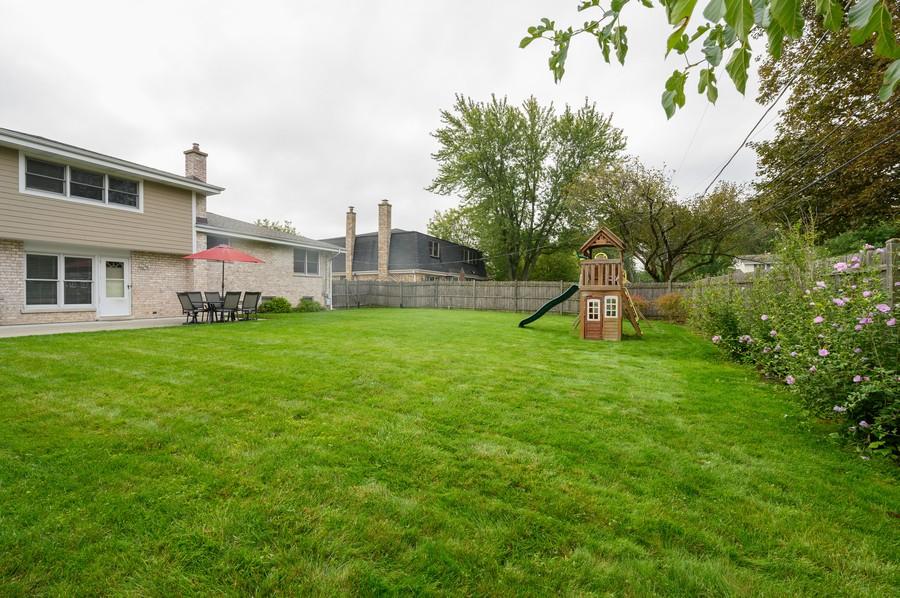 Real Estate Photography - 1606 Longmeadow, Glenview, IL, 60026 - Back Yard