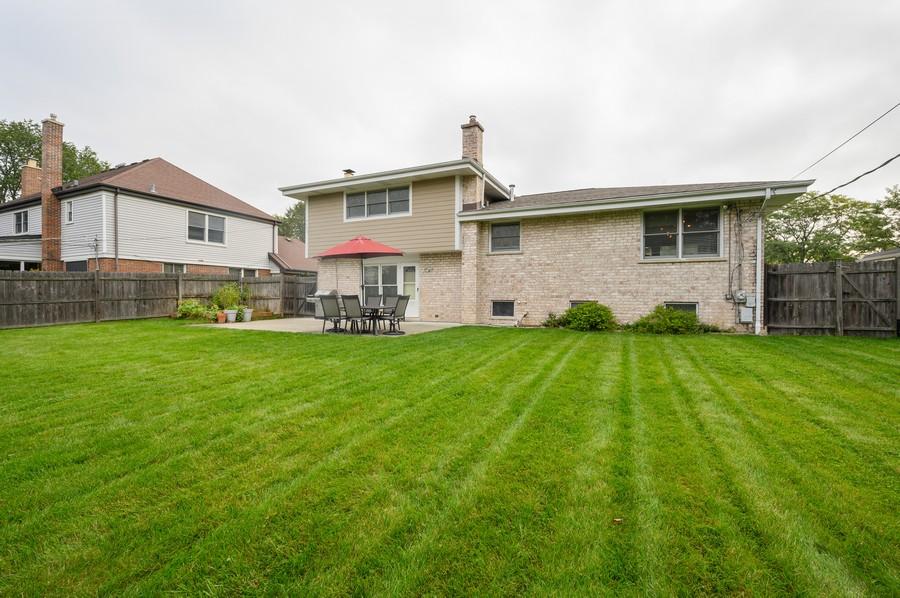 Real Estate Photography - 1606 Longmeadow, Glenview, IL, 60026 - Rear View