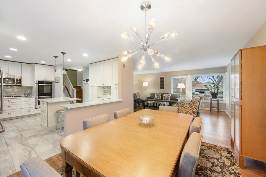 Real Estate Photography - 1606 Longmeadow, Glenview, IL, 60026 - Kitchen / Dining Room